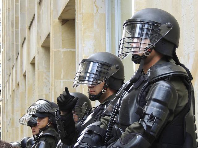 POLICIAS ENGAÑADOS - BLOG DE OPINIÓN